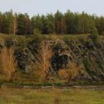 Скала на левом берегу